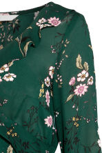 MAMA Wrapover blouse - Dark green/Floral - Ladies | H&M CN 2